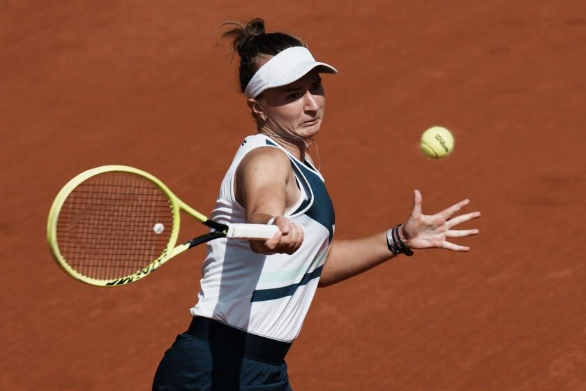 Barbora Krejcikova lines up a forehand