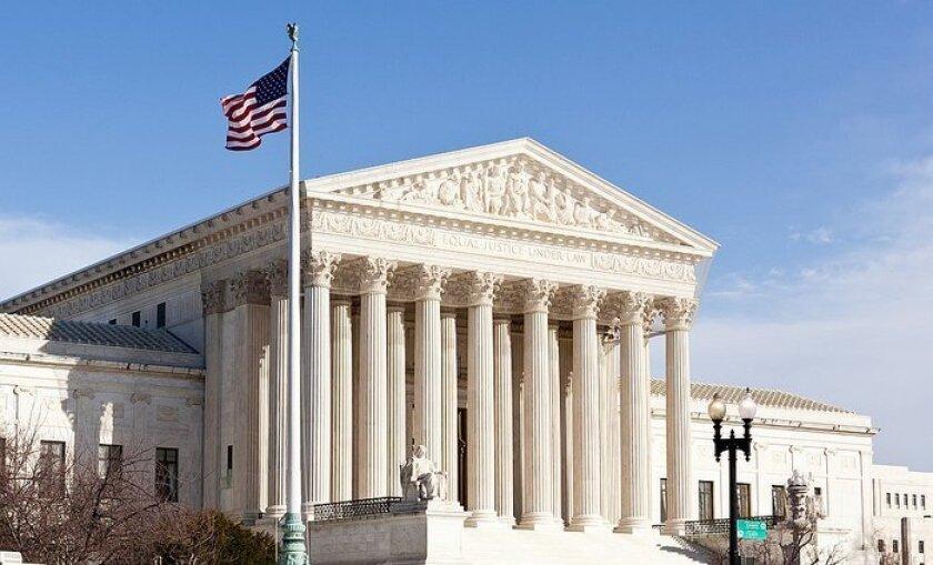 El Tribunal Supremo de EE.UU. aplazó la ejecución prevista para hoy en el estado de Alabama de Thomas Arthur, un reo condenado a muerte por asesinar en 1982 al marido de su entonces amante a cambio de 10.000 dólares.
