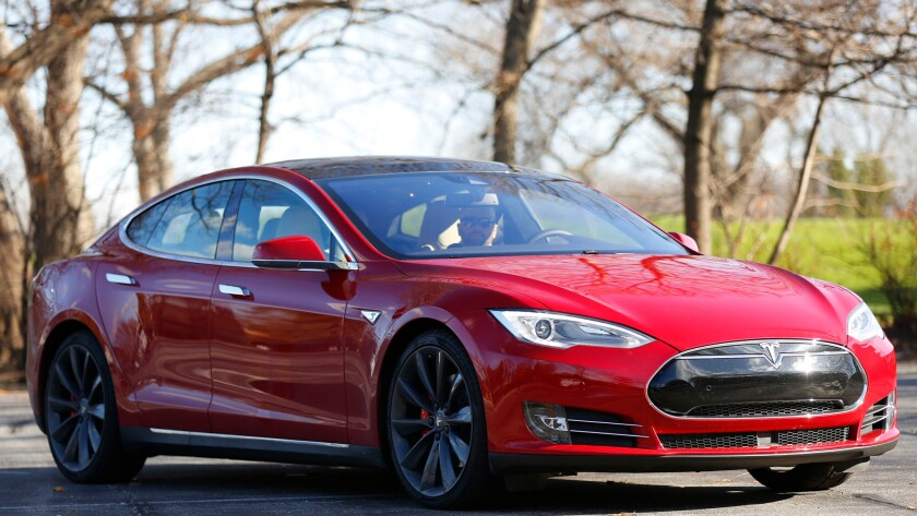 Controversy over Tesla 'autopilot' name keeps growing - Los
