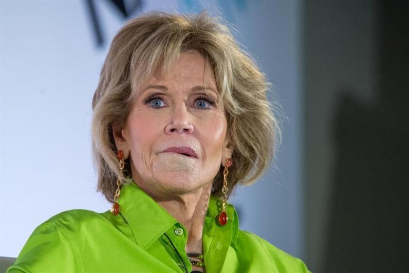 La actriz estadounidense Jane Fonda, dos veces ganadora del premio Oscar, participa en un conversatorio durante la conferencia anual de la Asociación Nacional de Ejecutivos de Programas Televisivos (NATPE) que se celebra hoy, miércoles 17 de enero de 2018, en el Hotel Fontainebleau de Miami Beach, Florida (EE.UU.). EFE
