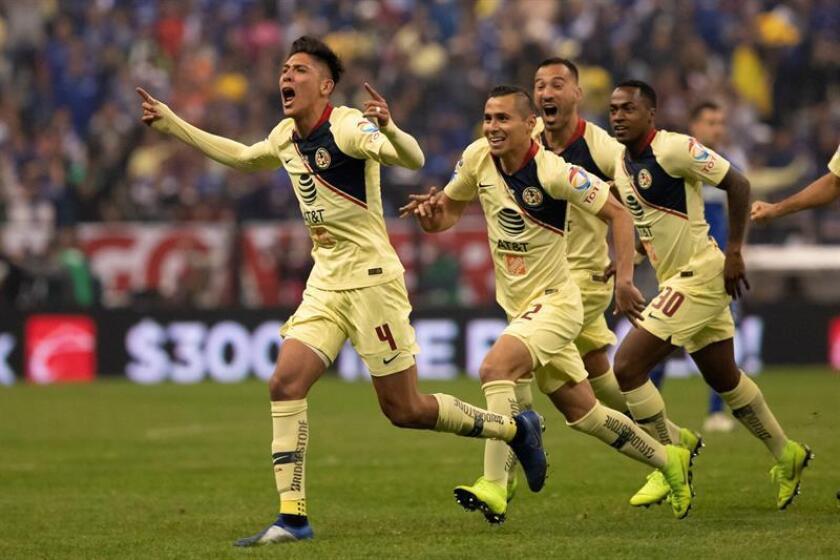 El campeón América visitará este viernes a los Rojinegros del Atlas en su debut en el torneo Clausura 2019 del fútbol mexicano, luego de haber pospuesto su compromiso del pasado fin de semana en la jornada inaugural. EFE/Archivo