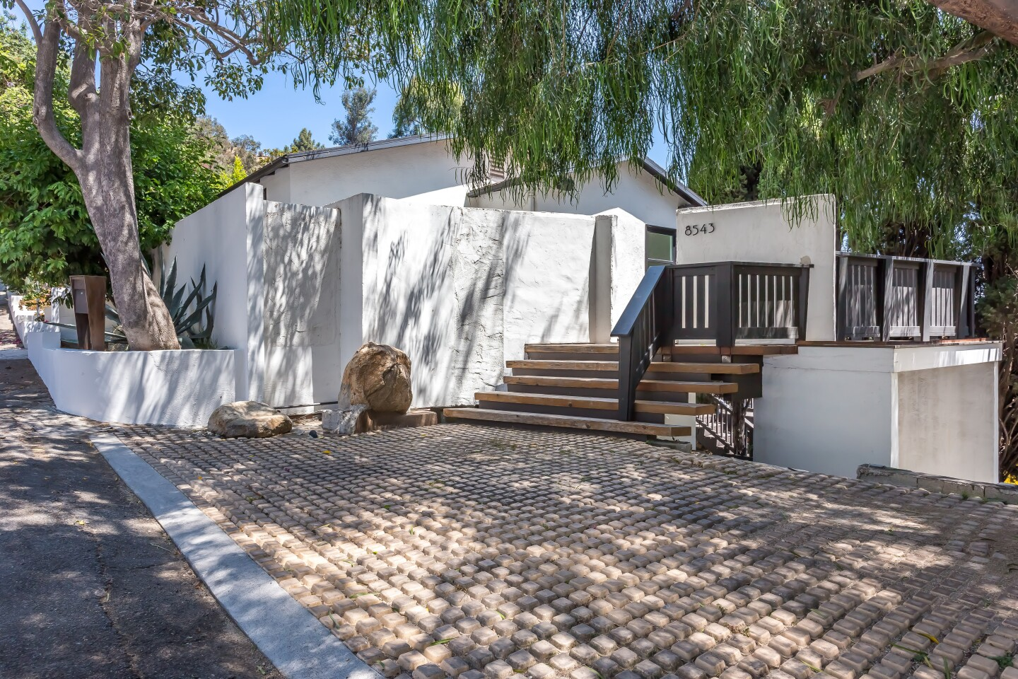 Eden Sassoon's home in Laurel Canyon | Hot Property