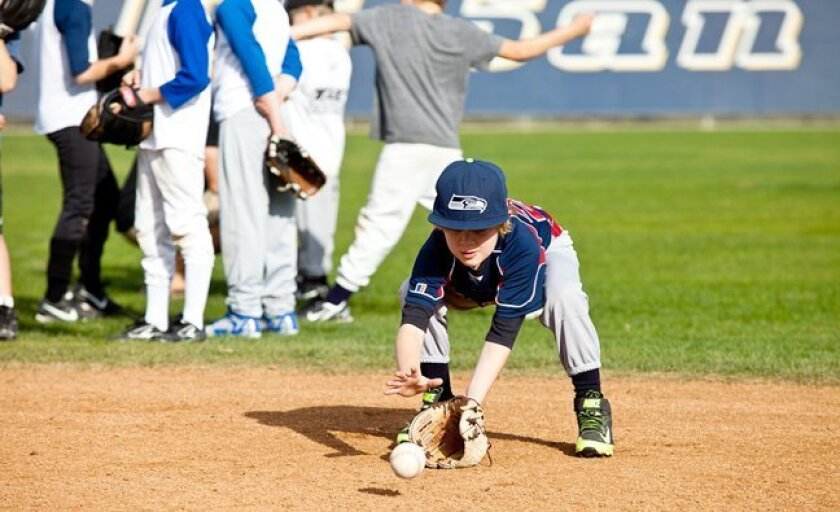Some 40 Pinto players (ages 7-8) from La Jolla Youth Baseball attend the Jan. 18, 2015 skills clinic hosted by the UCSD baseball team.