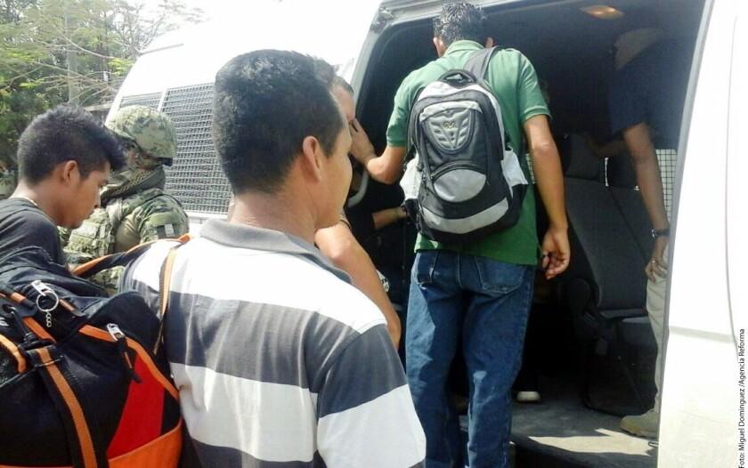 Personal de la Secretaría de la Defensa Nacional rescató a 45 migrantes centro y sudamericanos que se encontraban a la deriva en un poblado del municipio de Reynosa informó el Grupo de Coordinación Tamaulipas.