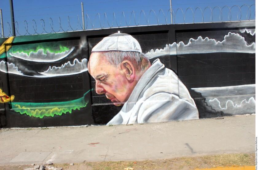 Pintan murales en México por visita de Papa