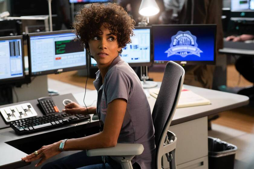 Review: Halle Berry is fierce in 'The Call,' but script needs 911