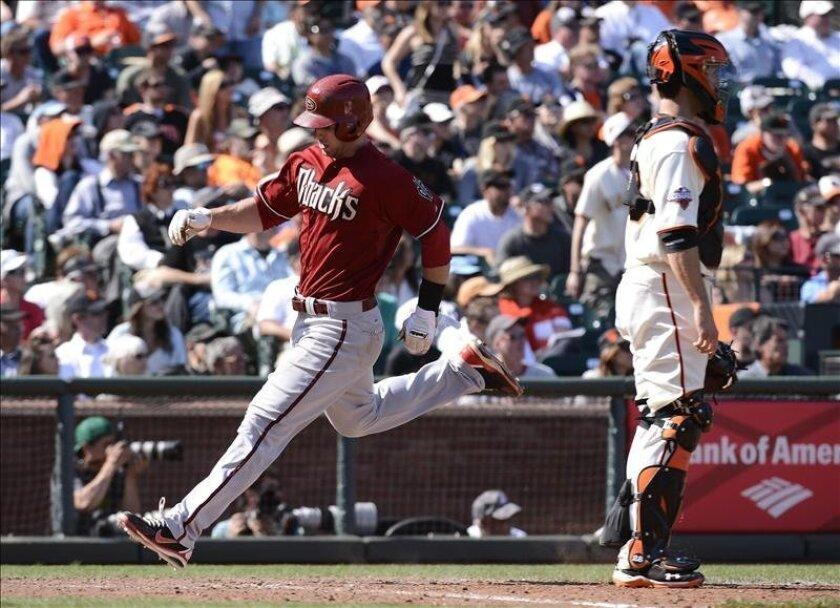 El jugador de los Arizona Diamondbacks Paul Goldschmidt (i) durante un juego de la MLB. EFE/Archivo