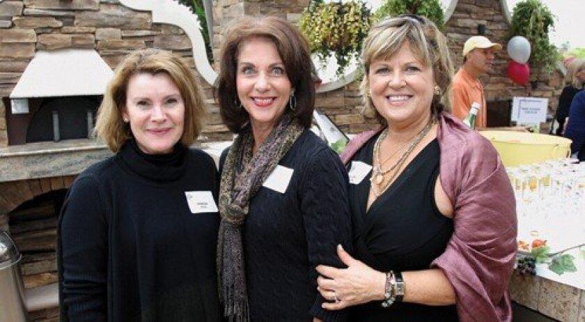 Venesse Koll, Mary Jennings, event co-chair Jo Claire Sullivan (Rob McKenzie)