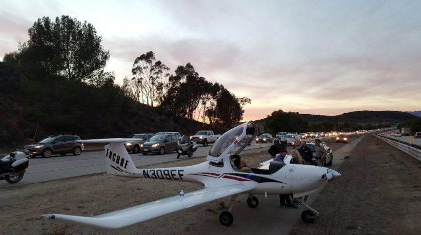 Small plane lands on freeway in Ventura County, shocking (and delaying) motorists
