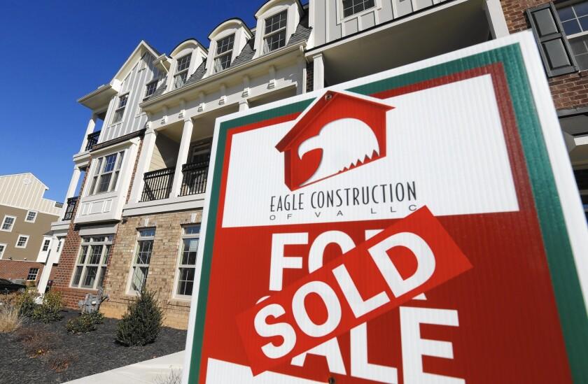 la-apphoto-mortgage-rates-jpg-20150227