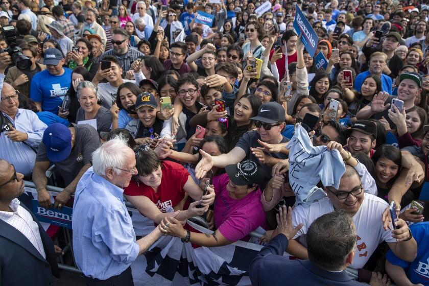 495614_la-me-bernie-sanders-latino-politicians_2_AJS.jpg