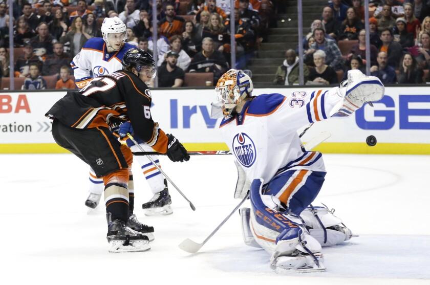 Ducks beat Edmonton Oilers in overtime, 2-1