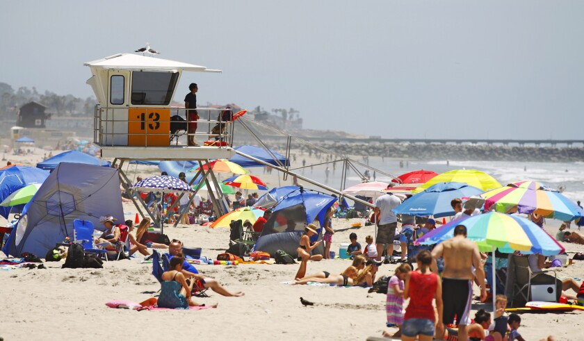 City lifeguards keep an eye on crowded Mission Beach in 2016