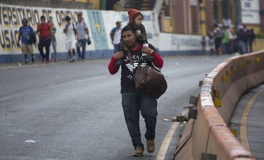 Los Ángeles se unen a demanda que reta esfuerzo federal que previene beneficio de asilo