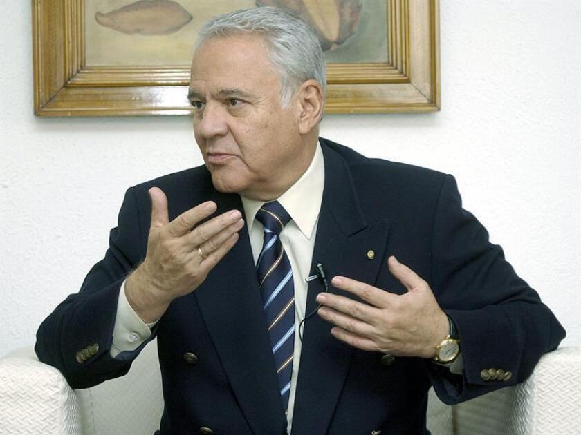 El jurado del juicio civil contra el expresidente boliviano Gonzalo Sánchez de Lozada y el exministro Carlos Sánchez Berzaín en Estados Unidos dijo hoy no saber cuando podrá tener listo su veredicto, sobre el que lleva deliberando desde el lunes 26 de marzo. EFE/ARCHIVO