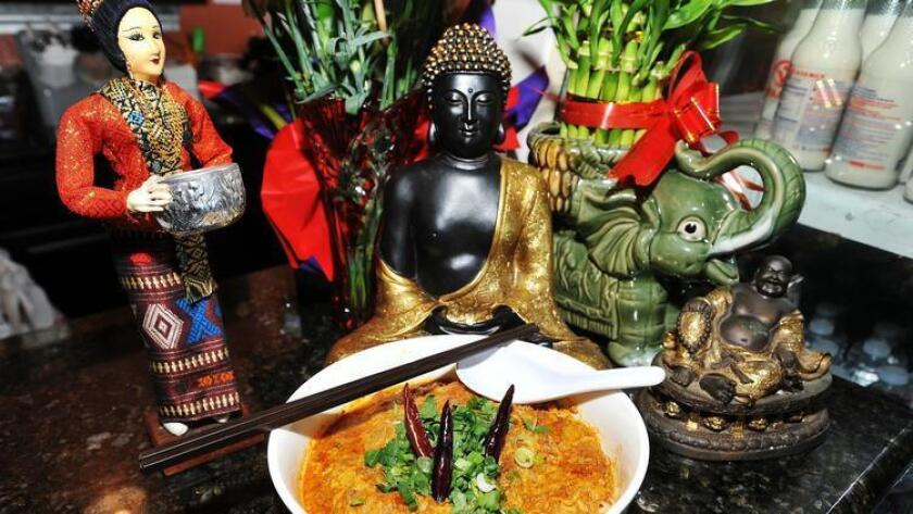 pac-sddsd-mee-ga-tee-rice-noodle-soup-w-20160820