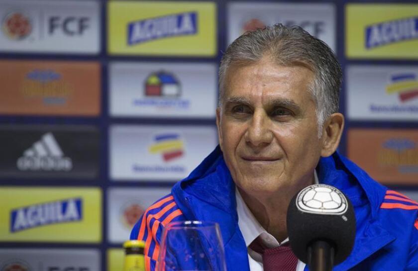 El portugués Carlos Queiroz habla durante su presentación como nuevo entrenador de la selección Colombia de fútbol de mayores, este jueves, en Bogotá (Colombia). EFE