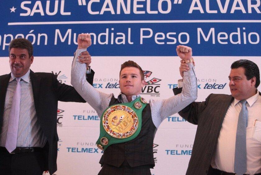 Presidente del CMB: Canelo llenaría el Azteca