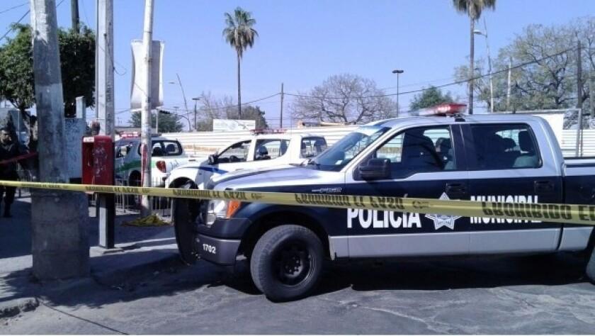 Matan a 3 policías a las afueras de Guadalajara, México