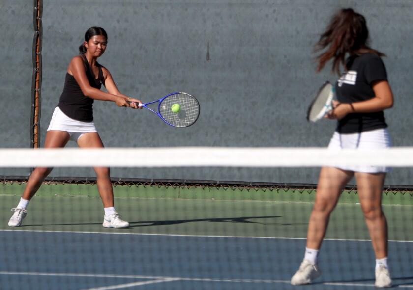 tn-gnp-sp-glendale-crescenta-valley-girls-tennis-20191022-6