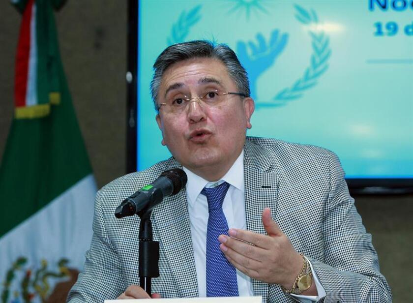 El titular de la Comisión Nacional de los Derechos Humanos (CNDH), Luis Raúl González. EFE/Archivo