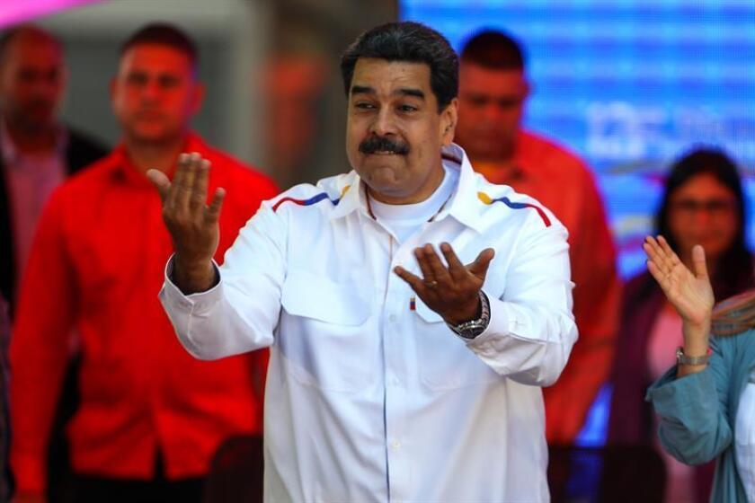 El presidente de Venezuela, Nicolás Maduro, pronuncia un discurso durante una manifestación en apoyo de su Gobierno, el martes 12 de febrero de 2019 en Caracas (Venezuela). EFE/Archivo