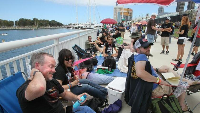 pac-sddsd-comic-con-day-2-people-wait-20160820