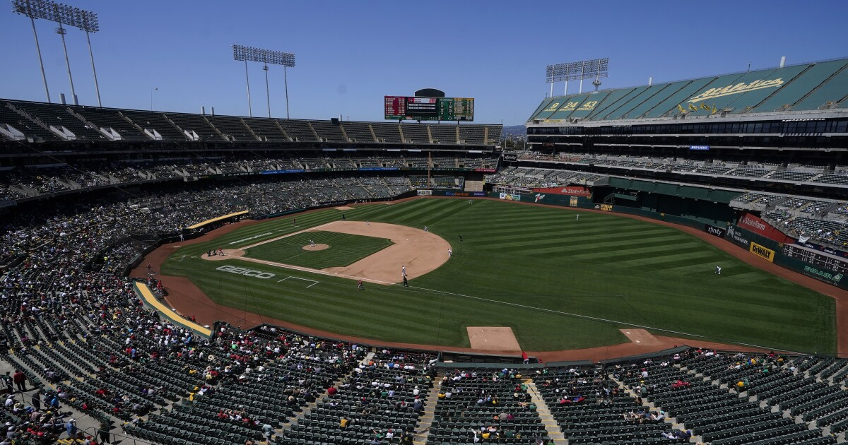 Keep the A's in Oakland? Is the Bay Area a viable two-team market?