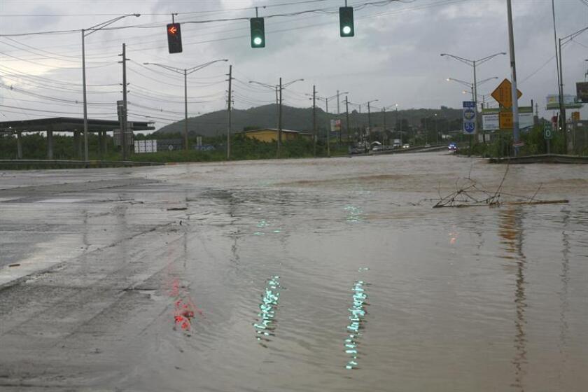El representante José González pidió hoy al secretario del Departamento de Transportación y Obras Públicas (DTOP) de Puerto Rico, Carlos Aponte, que instale, con carácter de urgencia, semáforos en intersecciones viales de las carreteras estatales PR-2, 129 y 10, entre otras. EE.UU. EFE/ARCHIVO