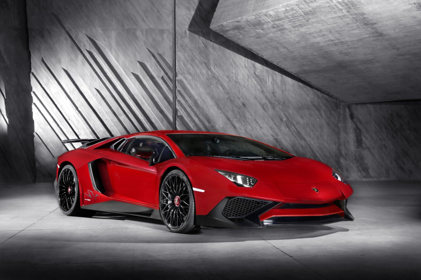 Lamborghini's new Aventador LP 750-4 Superveloce (SV) sheds 110 pounds and adds roughly 50 horsepower for 740 total horsepower and a top speed of more than 217 mph.