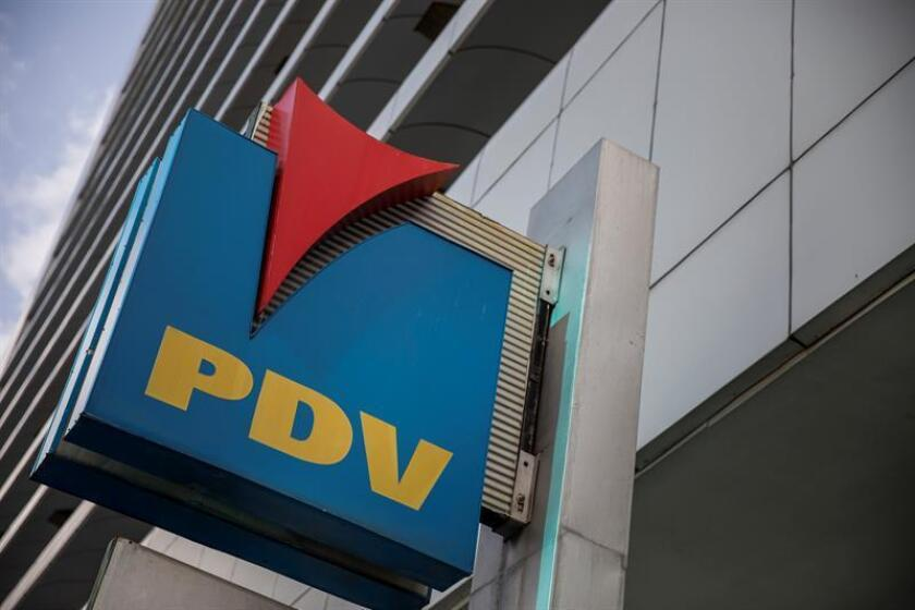 Un exempleado de la compañía estatal Petróleos de Venezuela (PDVSA) se declaró culpable ante un tribunal de estadounidense de haber participado en una red de sobornos y lavado de activos relacionados con la petrolera venezolana. EFE/Archivo