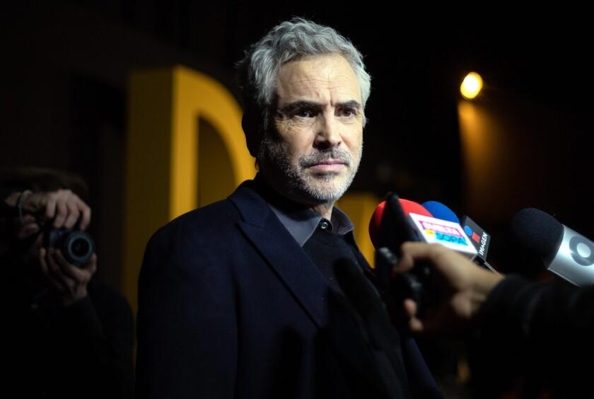 Los directores mexicanos Alfonso Cuarón (foto) y Guillermo del Toro mencionaron a través de Twitter que las categorías Mejor Cinematografía y Mejor Edición son esenciales en la existencia del cine.