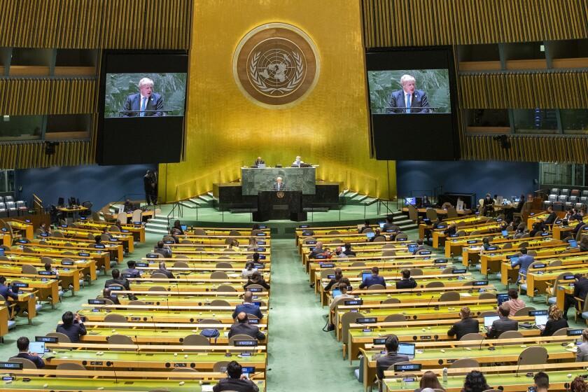 El primer ministro británico Boris Johnson pronuncia un discurso ante la 76ma sesión de la Asamblea General de Naciones Unidas en la sede de la ONU, el miércoles 22 de septiembre de 2021. (Eduardo Munoz/Foto compartida vía AP)