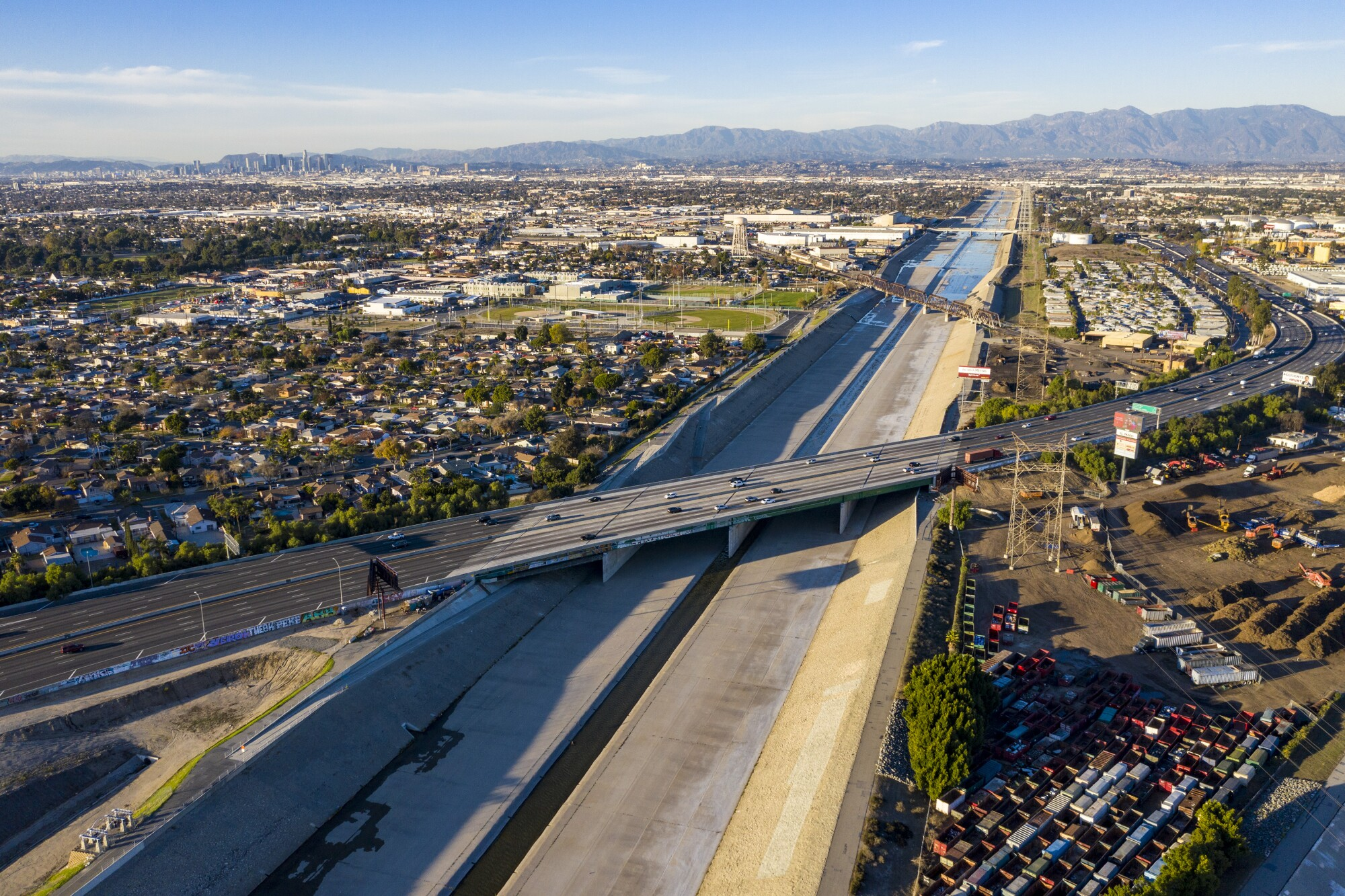 A view looking  north towards a proposed Los Angeles River Platform Park