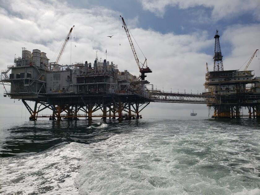 Oil platforms Elly and Ellen