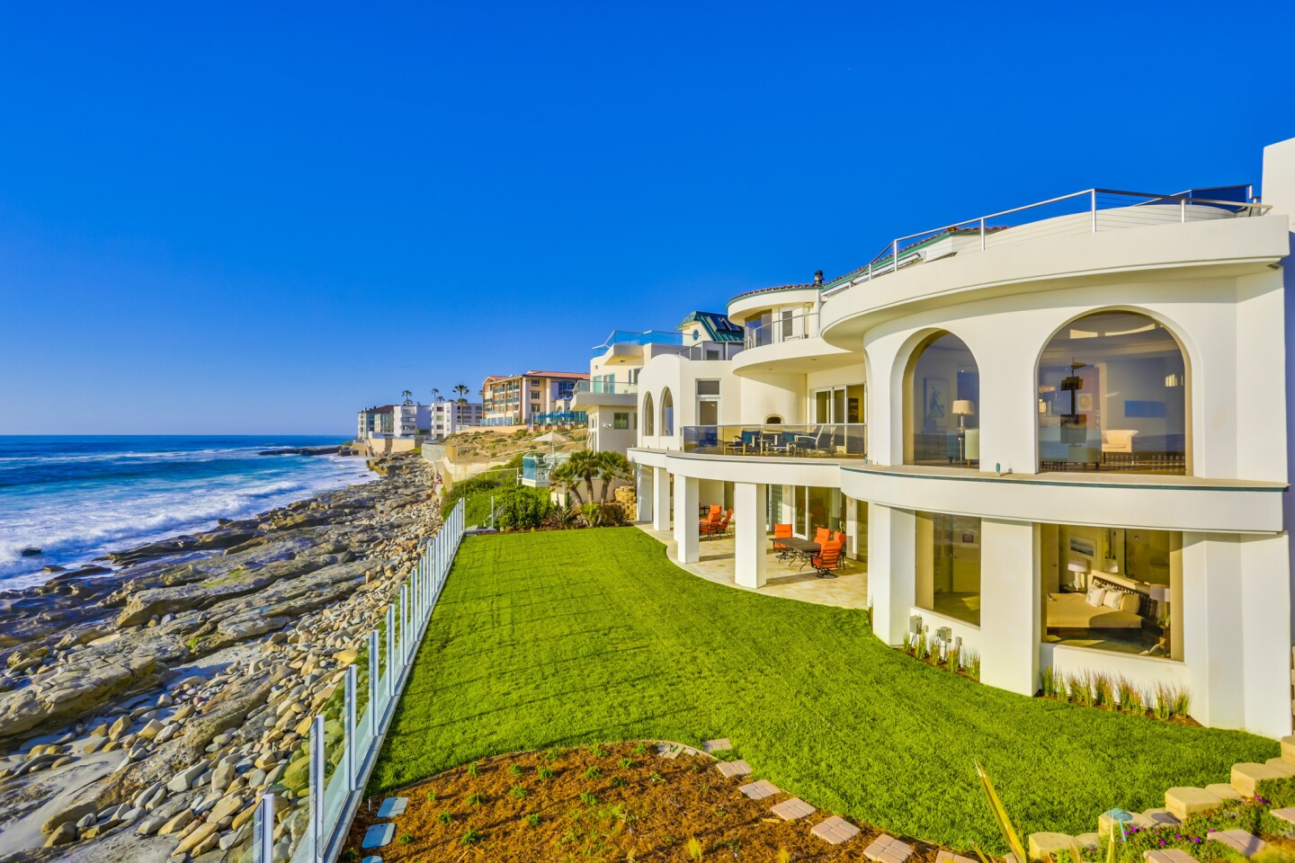 Home of the Day: Highest-priced beachfront estate in La Jolla
