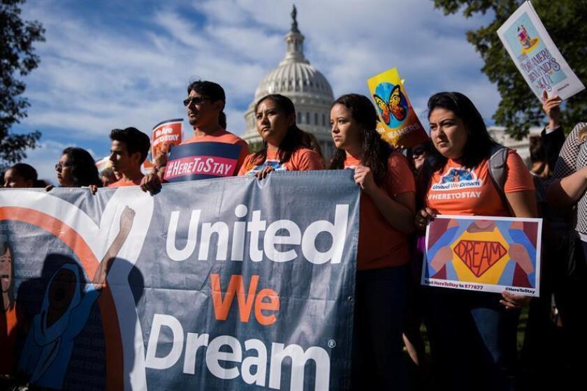 """Detienen en la frontera al primer """"soñador"""" deportado en la era Trump"""