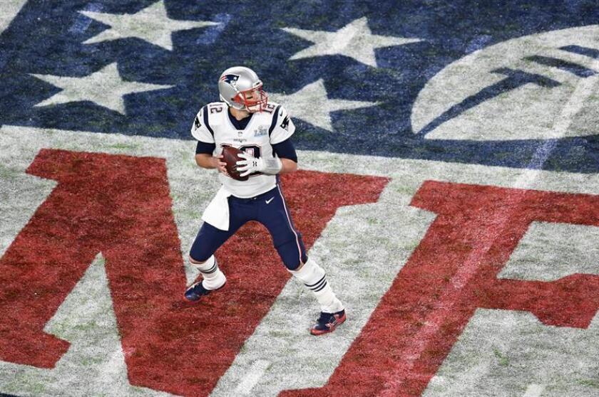 En la imagen, el mariscal de campo Tom Brady de los Patriots de Nueva Inglaterra. EFE/Archivo