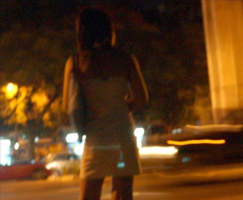A report on a British Web site saying that the back streets of Medellin are controlled by criminals and are full of prostitutes has been harshly denounced by the mayor of that Colombian city as intentionally negative reporting. EFE/File