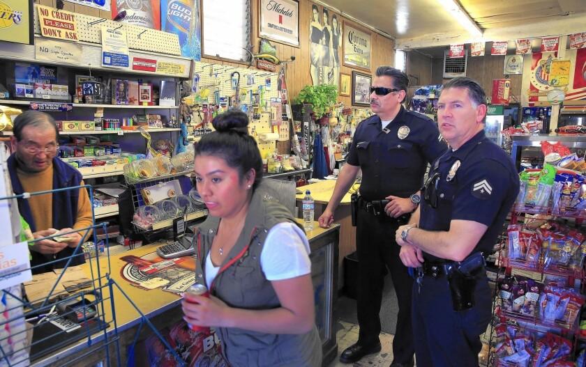 El Departamento de Policía de Los Ángeles (LAPD) anunció que continuará su acercamiento a la comunidad...