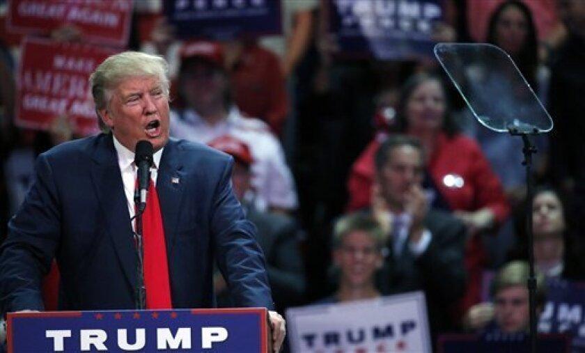 El presidente ejecutivo de Ford, Bill Ford, se reunió meses atrás con el candidato republicano a la Casa Blanca, Donald Trump, para abordar las críticas lanzadas por el magnate inmobiliario al fabricante de automóviles, según reveló hoy.