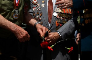 Russian-speaking veterans seek to preserve their legacy