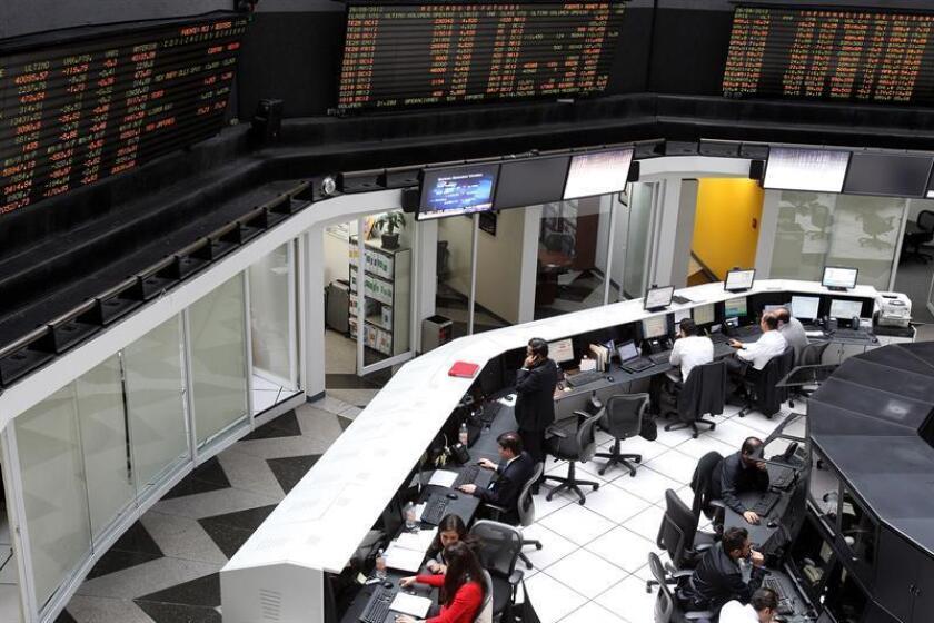 Bolsa México sufre peor caída en 7 años por iniciativa de cobro de comisiones