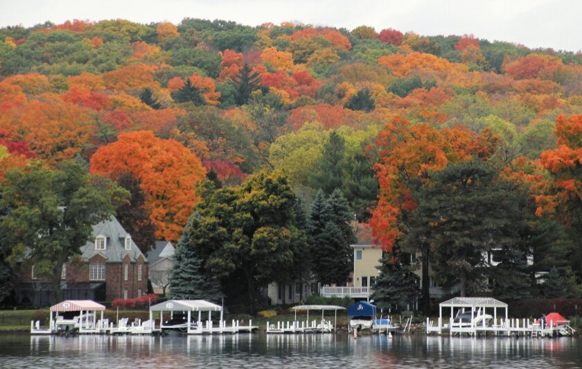 One of the best places to see fall's brilliant colors and savor late 1800s history is in Lake Geneva, Wis. Geneva Lake is the town's glistening focus.