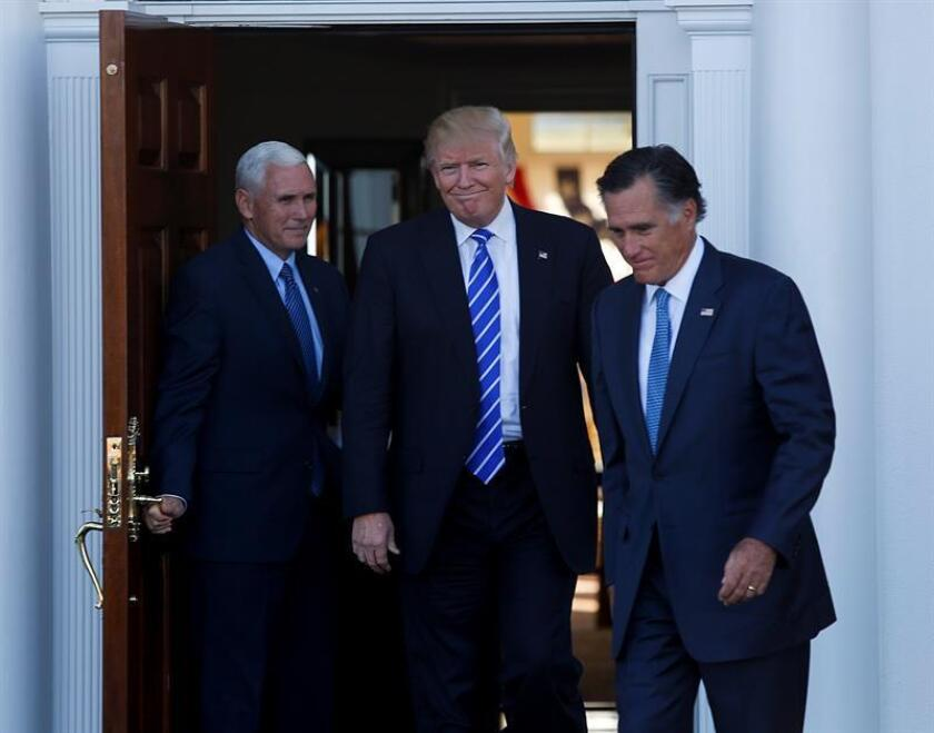 El presidente electo, Donald Trump, se reunirá entre hoy y mañana con varios aspirantes a ocupar la Secretaría de Estado, un puesto clave que ha reabierto las fracturas dentro del Partido Republicano. EFE/ARCHIVO