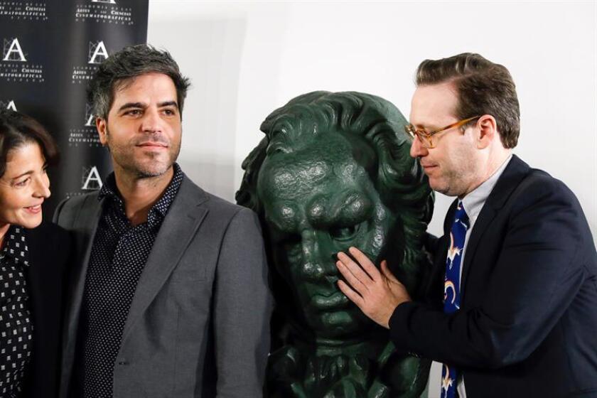 Los presentadores de la gala de la 32º edición de los Premios Goya, Joaquín Reyes (d) y Ernesto Sevilla, explican en rueda de prensa detalles de la celebración, que tendrá lugar en el hotel Marriot Auditórium de Madrid el 3 de febrero. EFE/Archivo