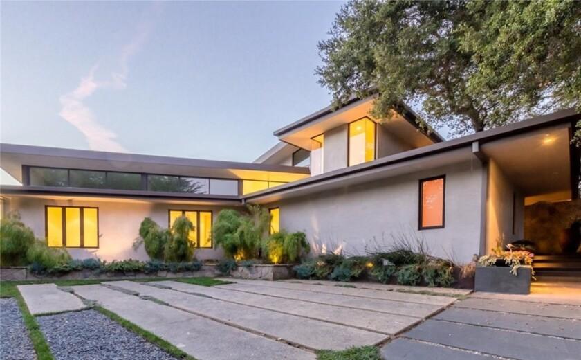 Adam Carolla's modern mansion