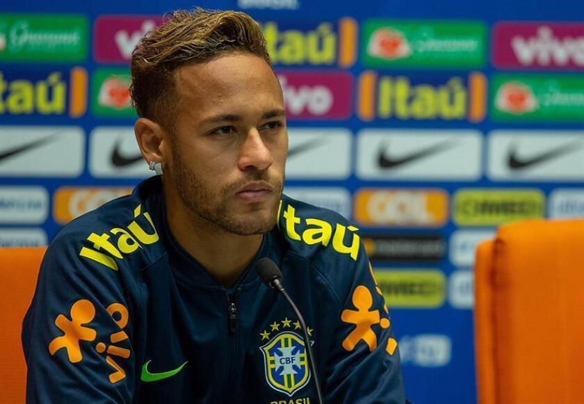 En la imagen un registro del delantero brasileño Neymar Jr, delantero estrella de la selección de fútbol de su país. EFE/Archivo