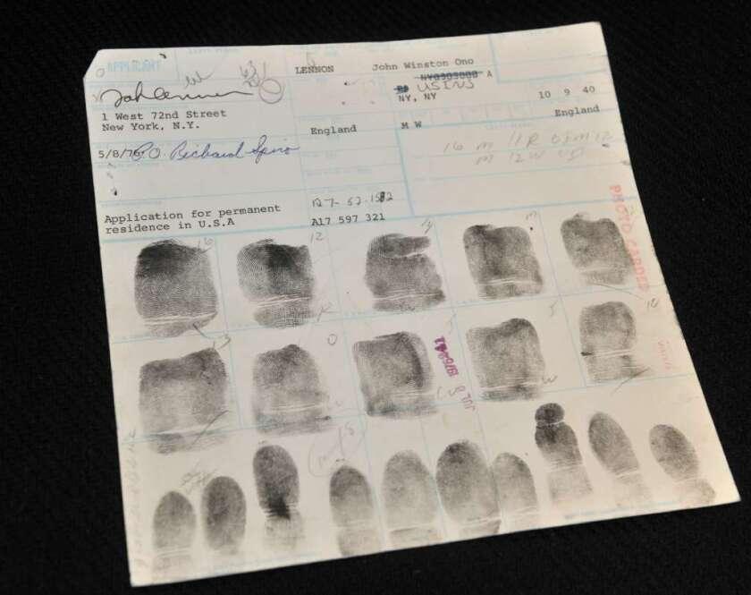 """Se proponen hacer más difícil conseguir la """"Green Card"""": Lo que debe saber"""