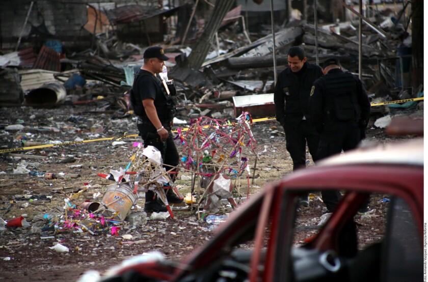 El Alcalde del Municipio de Tultepec, Armando Portuguez, señaló que algunos locatarios del mercado de San Pablito relacionan la explosión en el lugar con extorsiones, versión que aún no esta· confirmada por autoridades ministeriales.